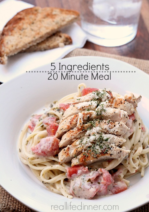 Alfredo Pesto Sauce with Chicken and Tomatoes {20 minute meal} {5 Ingredients}