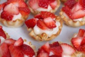 Amazing Strawberry Cheesecake Puff pastry tart