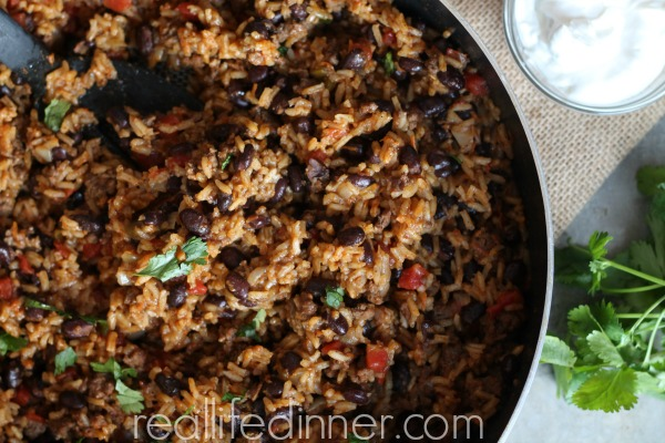 Beef-and-black-bean-taco-rice-skillet-recipe