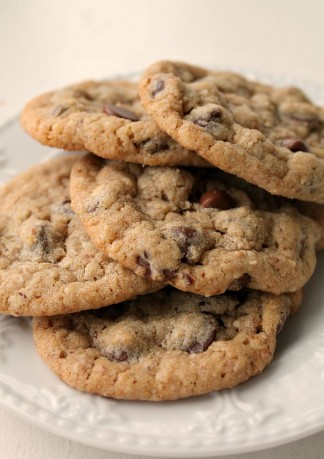Whole Wheat Chocolate Chip Cookies with Oatmeal and Ground Almonds