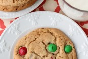 Better-Than-the-Bakery-Peanut-butter-M&M-Cookies-recipe