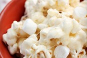 Caramel-Marshmallow-P0pcorn-and-popcorn-ball-recipe