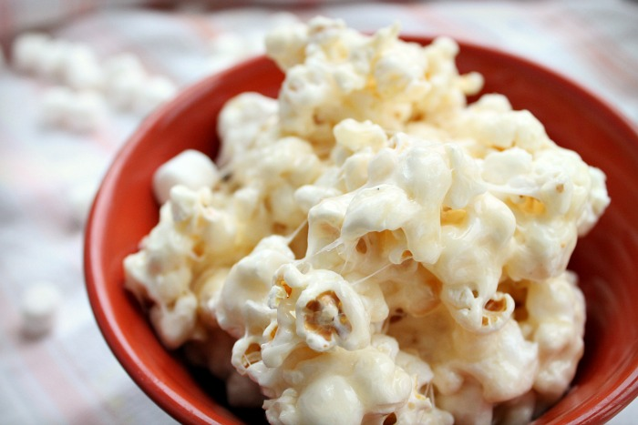 Caramel-Marshmallow-Popcorn-recipe-and-popcorn-balls