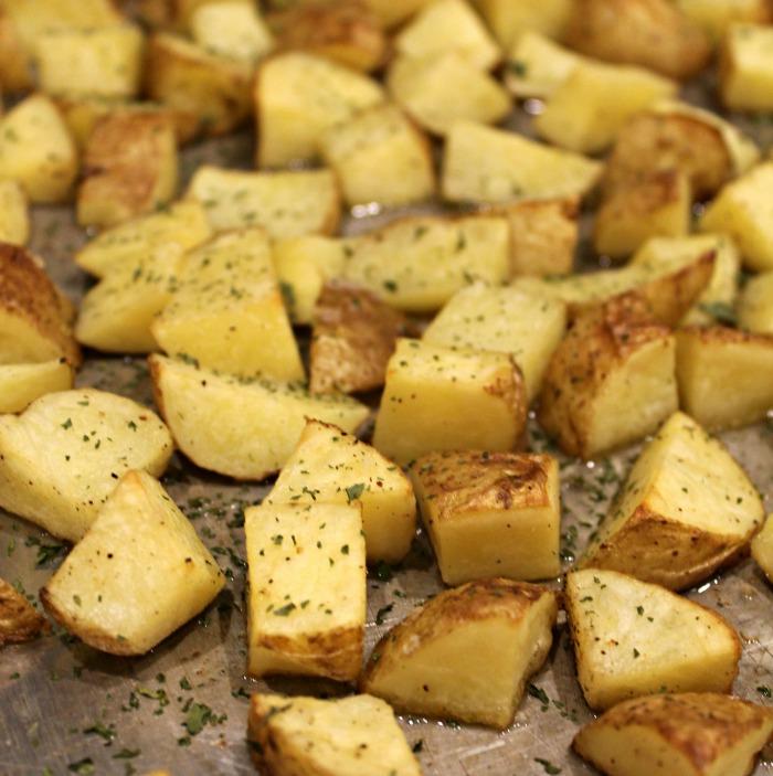 Oven-roasted-golden-butter-potatoes-recipe-