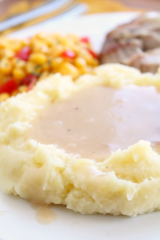 How to Make Gravy out of Pan Drippings