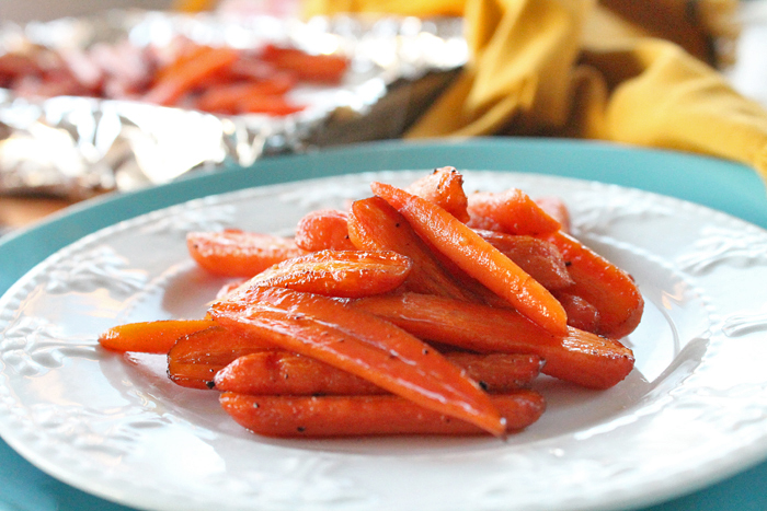 maple-balsamic-roasted-carrots-3