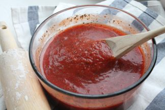 Easy Pizzeria Style Pizza Sauce