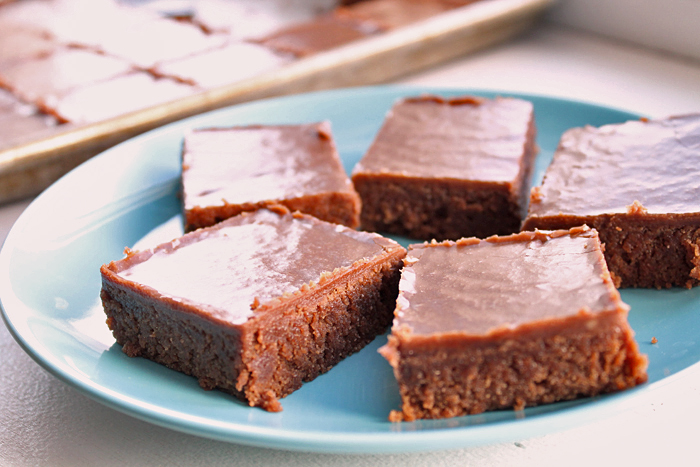 whole-wheat-brownies-fudge-frosting