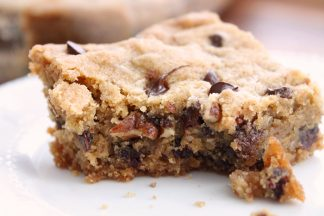 Jessica's Amazing Chocolate Chip Cookie Bars with Pecans