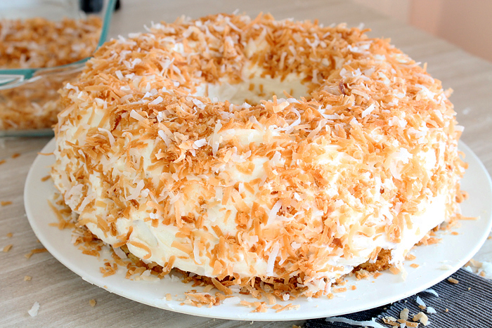 Dreamy-Coconut-Bundt-Cake-3