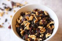 Dark-Chocolate-Walnut-Berry-Snack-Mix-3