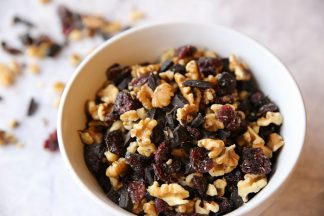 Dark-Chocolate-Walnut-Berry-Snack-Mix-3