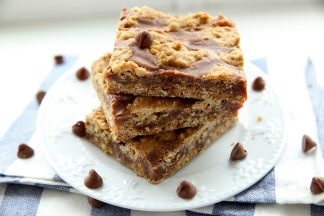 Oatmeal-Fudge-Bars-1